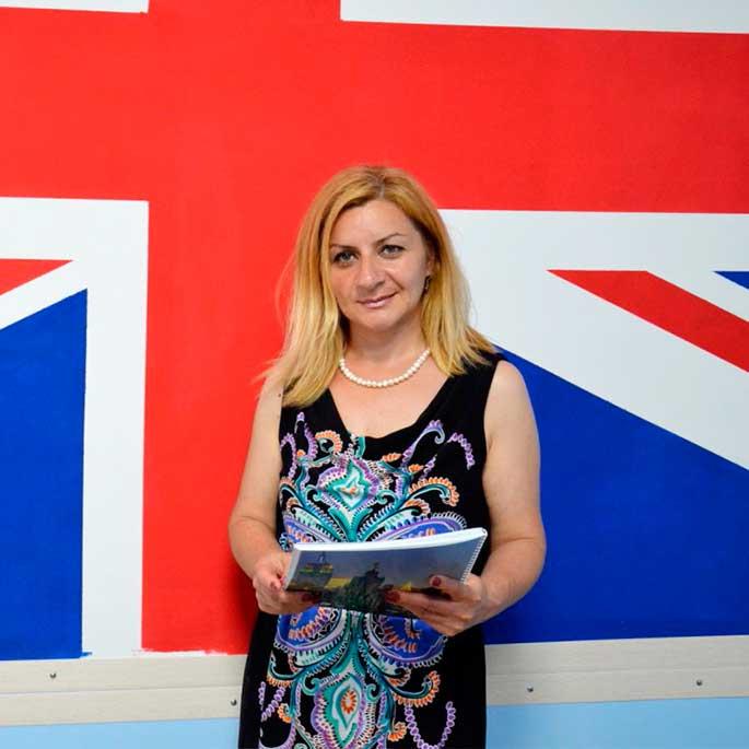 Nune Hovhannisyan преподаватель английского языка